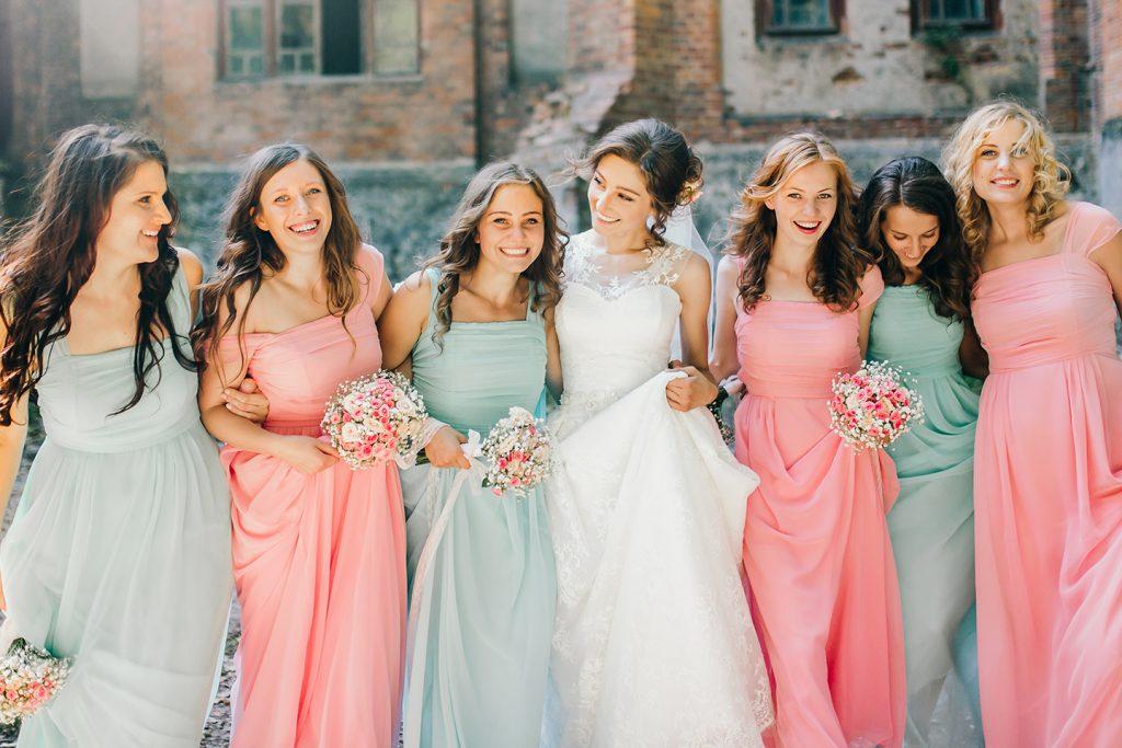 Voll im Trend. Brautjungfern sind wieder im Kommen!